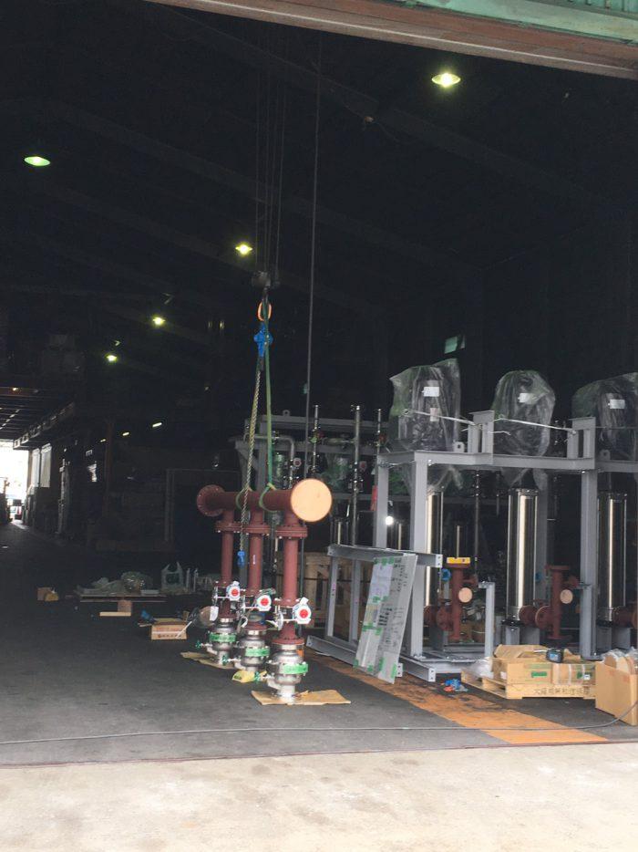 クレーン付き倉庫